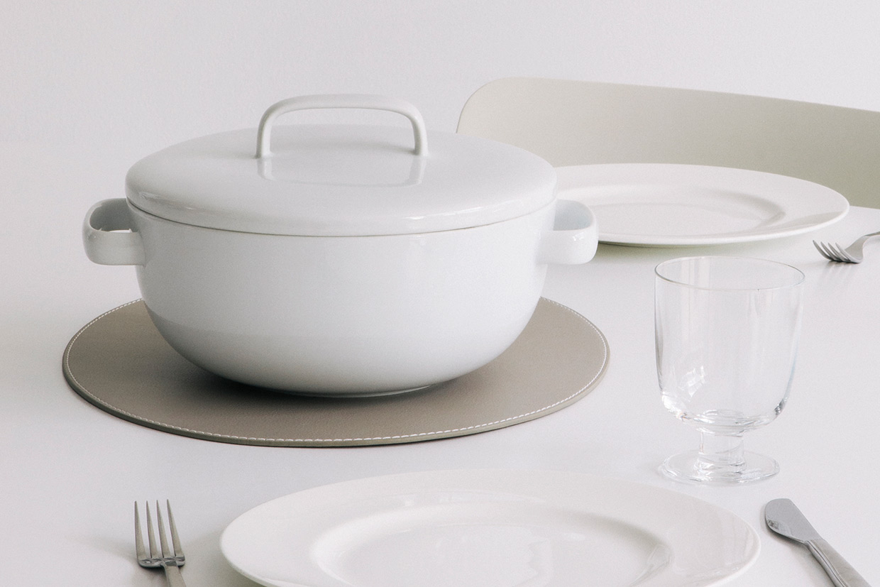 Classic Casserole Dish for Horwood Detail